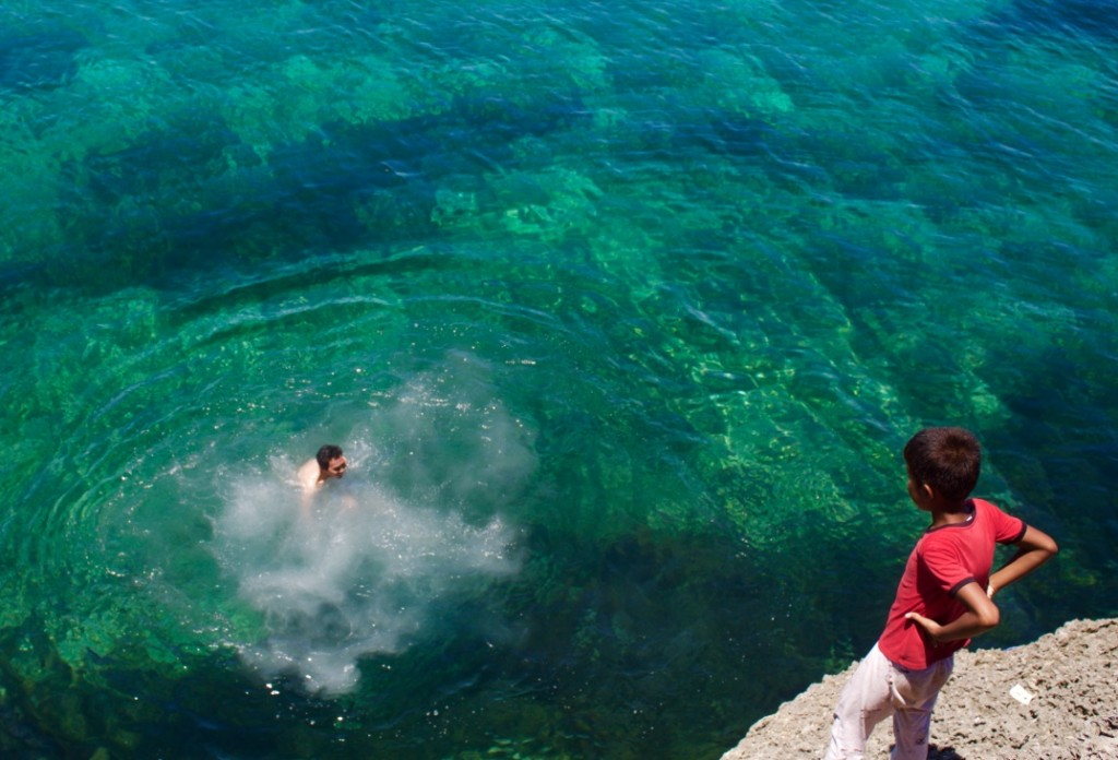 Cliff diving in Carnaza