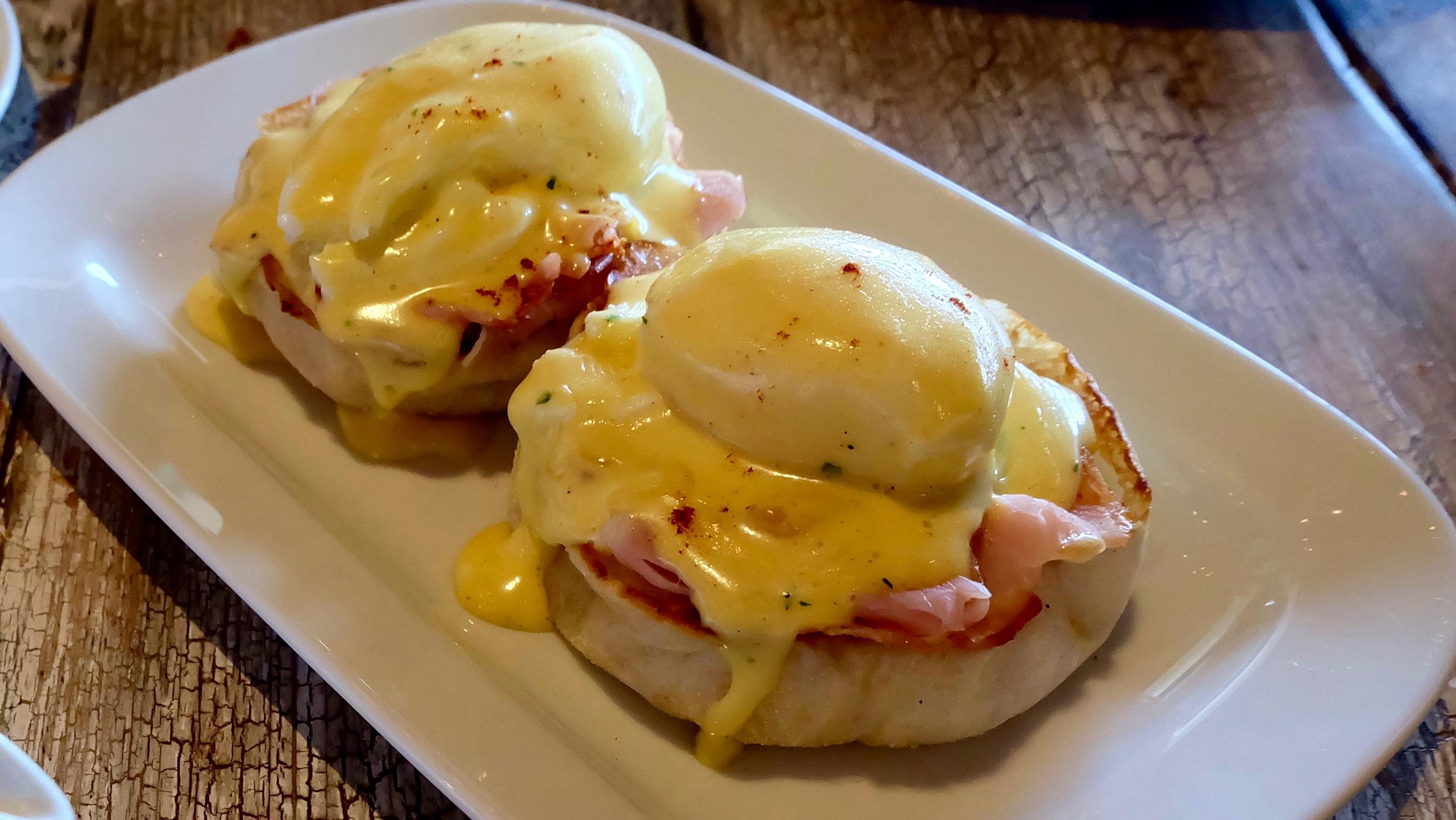 eggs-benedict-abaca-baking-company