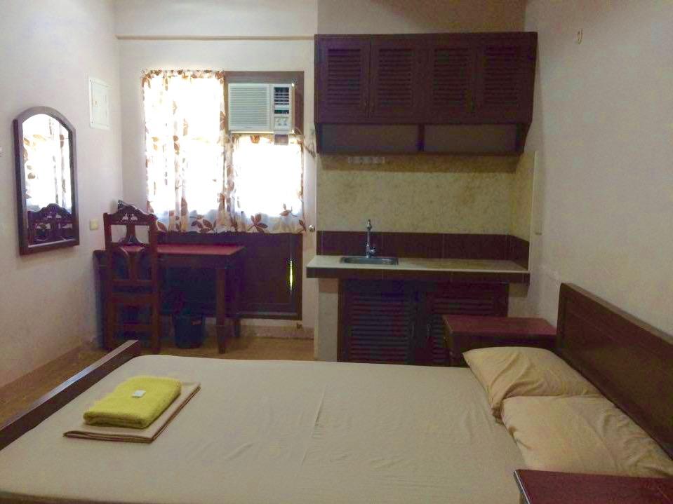 RMJ Apartelle Room for 1