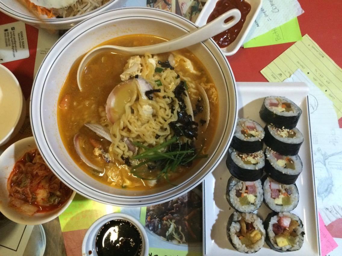 Topokki Man_Seafood Noodles and Kimbap
