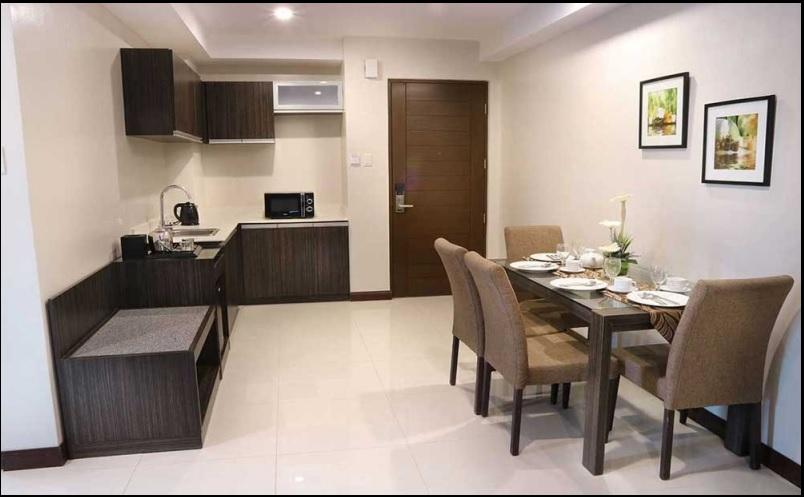 Family Suite at West Avenue Suites
