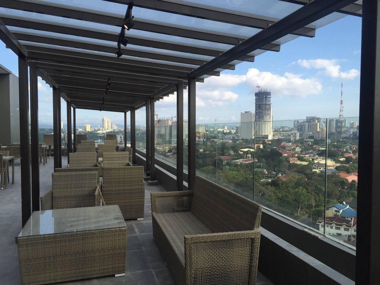 Rooftop Restaurant at West Avenue Suites