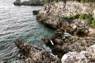 Cliff diving in Malapascua